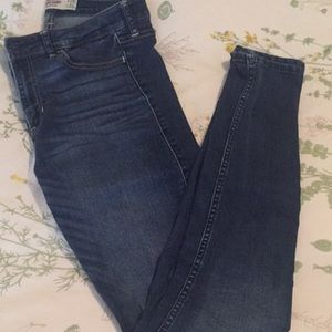Hollister High-Waisted Skinny Jeans, Size 29